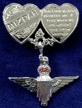 EIIR Parachute Regiment Mizpah Hearts Sweetheart Suspension Brooch.