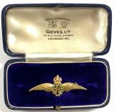 Royal Air Force pilot's wing gold RAF sweetheart brooch in Gieves presentation case